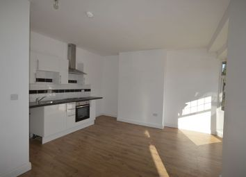 Thumbnail 1 bed flat to rent in Flat 5, Clarendon Park Road