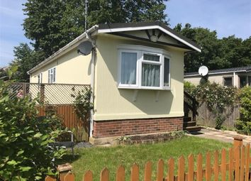 Thumbnail Mobile/park home for sale in Mill Lane, Hurley, Maidenhead