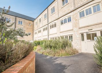 Thumbnail 2 bed flat to rent in Dudbridge Road, Dudbridge, Stroud