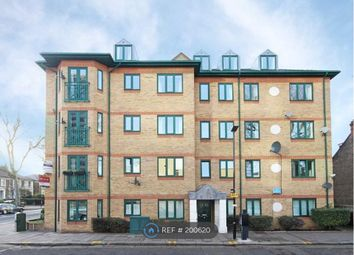 Thumbnail 2 bed flat to rent in Silver Crescent, London