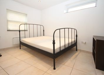 Thumbnail Room to rent in Hawks Road, Norbiton, Kingston Upon Thames