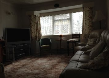 Thumbnail 2 bed semi-detached bungalow to rent in Staveley Road, Luton