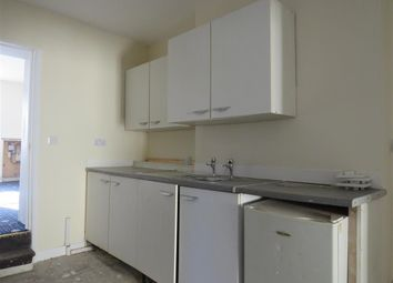 Thumbnail 2 bedroom flat to rent in High Street, Holbeach, Spalding