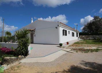 Thumbnail 3 bed villa for sale in Portugal, Algarve, Santa Bárbara De Nexe