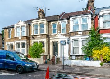 Thumbnail 2 bed flat to rent in Glyn Road, London