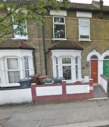 Thumbnail 1 bed flat to rent in Cary Road, London