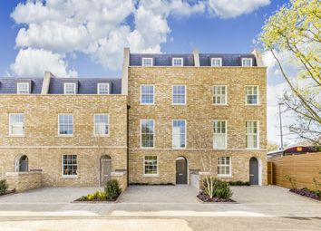 Thumbnail 6 bed town house to rent in Mills Row, London