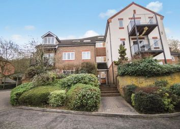 1 bed property to rent in Holly Place, High Wycombe HP11