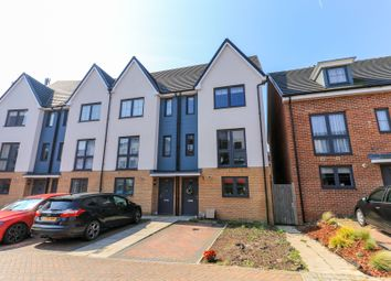Thumbnail 3 bedroom town house for sale in Shingly Place, London