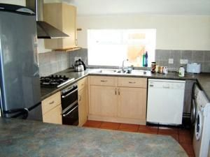 Thumbnail 6 bed terraced house to rent in Kincraig Street, Cardiff