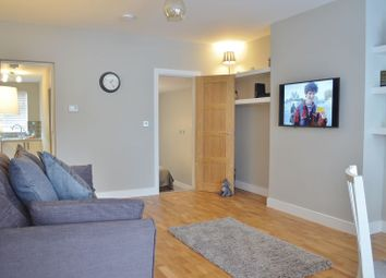 Thumbnail 1 bed flat to rent in New High Street, Headington, Oxford