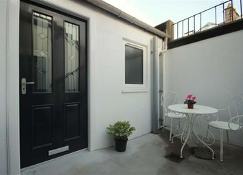 Thumbnail 1 bed flat for sale in 21B, Melbourne Place, St Andrews, Fife