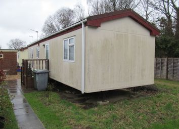 2 bed mobile/park home for sale in Avondale Park, Colden Common SO21