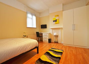 Thumbnail Room to rent in York Street, Twickenham