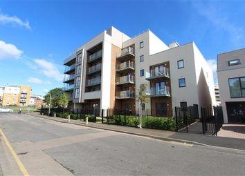 Thumbnail Flat to rent in Manor Way, Borehamwood