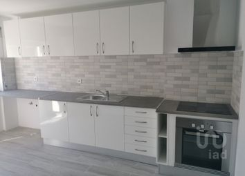 Thumbnail 2 bed apartment for sale in Amora, Seixal, Setúbal