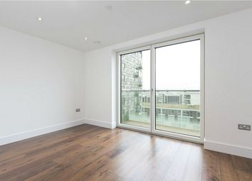 Thumbnail Studio to rent in Lincoln Plaza, South Quay, London