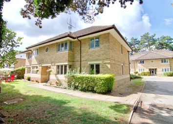 Thumbnail 2 bed flat to rent in Burford Road, Carterton