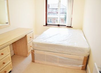 Thumbnail Room to rent in Dawlish Drive, Room 6, Ilford