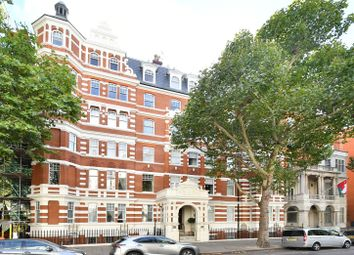 Thumbnail 2 bed flat to rent in 169 Queens Gate, London