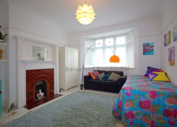 Thumbnail Room to rent in Roxburgh Road, London
