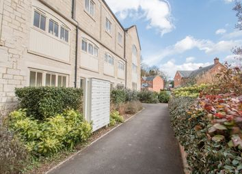 Thumbnail 2 bed flat to rent in Dudbridge Road, Dudbridge, Stroud