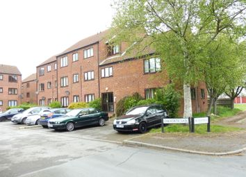 Thumbnail 2 bedroom flat for sale in Chilworth Gate, Silverfield, Broxbourne