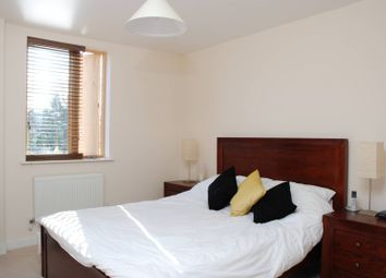 Thumbnail 1 bed flat to rent in Steele Road, Chiswick