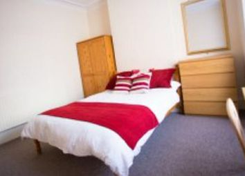 Thumbnail Room to rent in Holmwood Road, Ilford