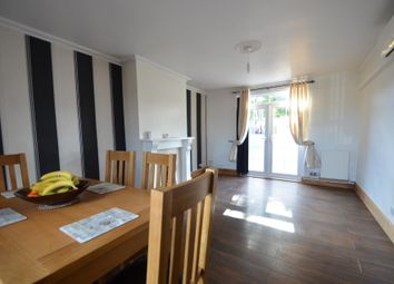 Thumbnail Room to rent in Southfields Drive, Leicester