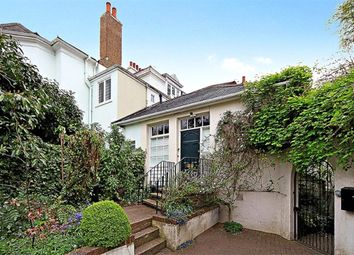 2 bed maisonette to rent in Woodhayes Road, Wimbledon SW19