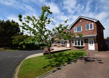 Thumbnail 3 bedroom detached house for sale in Selbourne Close, Westhoughton, Bolton