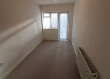 Thumbnail 2 bed flat to rent in Bowes Road, Bounds Green