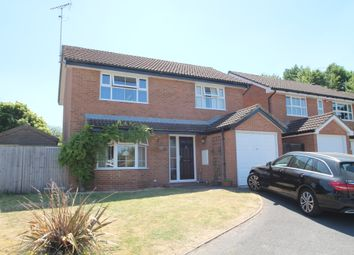 Thumbnail 4 bed detached house to rent in Yew Close, Wokingham