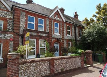 2 bed flat to rent in Hartfield Road, Eastbourne BN21