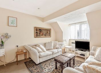 2 bed property for sale in Friern Watch Avenue, London N12