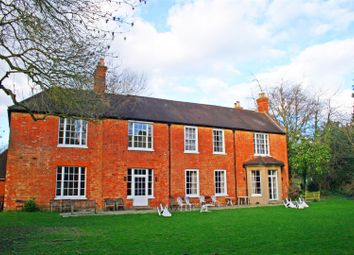 Thumbnail 3 bed flat to rent in Churchgate, Sutton Road, Cookham