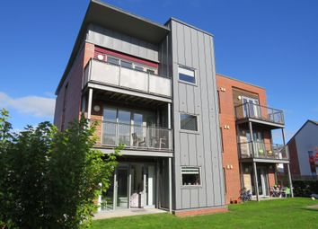Thumbnail 2 bedroom flat for sale in Weir Street, Stirling