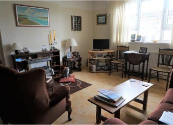 Thumbnail 2 bed flat for sale in Kings Road, Southsea