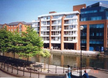 Thumbnail 1 bedroom flat to rent in Kings Reach Court, Crane Wharf, Reading