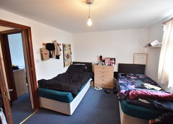 Thumbnail 2 bed flat to rent in First Avenue, Acton