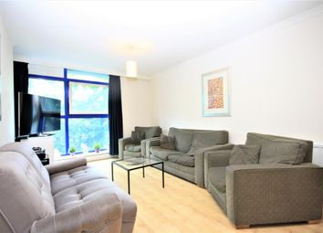 3 bed flat to rent in Sweden Gate, Surrey Quays, London SE16
