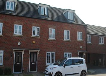 Thumbnail 3 bed town house to rent in Sandpiper Way, Leighton Buzzard