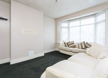 Thumbnail 2 bedroom flat to rent in Chigwell Road, Woodford Green