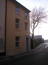 2 bed flat to rent in Queens Road, Aberystwyth SY23