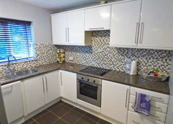 Thumbnail 1 bedroom flat for sale in Green Street, Borehamwood