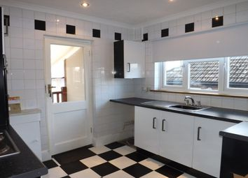 Thumbnail 2 bed bungalow to rent in Linda Grove, Cowplain, Waterlooville