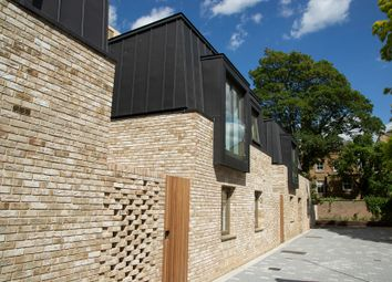 Thumbnail 3 bed mews house for sale in Ockenden Road, Islington