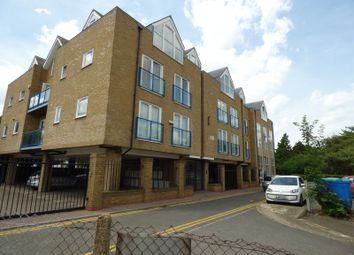 2 bed flat to rent in St. Marys Road, Swanley BR8