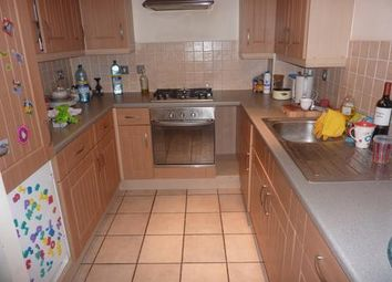 Thumbnail 2 bedroom flat to rent in Queens Drive, London